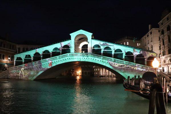 ponte di rialto imbarcazioni Canaletto